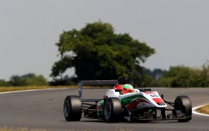 MacLeod leads Fortec 1-2-3 in race one at Snetterton